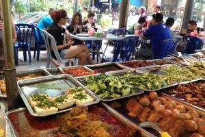 マレーシアローカルフードは経済飯と言うらしい?