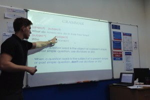 留学で英語でグラマーを学ぶのはナンセンスだと思う…。