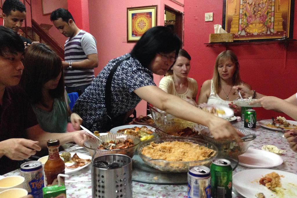 インド正月のDeepavaliのホームパーティの様子
