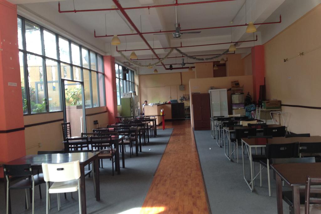 マレーシア留学でマンツーマンレッスンができるスカイエデュの食堂