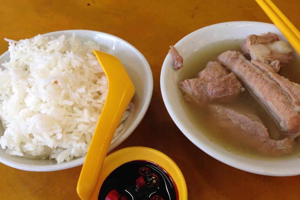 シンガポールのバクテーは塩ラーメンだ。