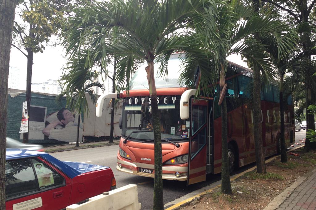 クアラルンプールの長距離バスのオデッセイは時間通りに来た。