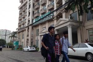 ミャンマー旅行のオススメ観光スポットは銀行らしい