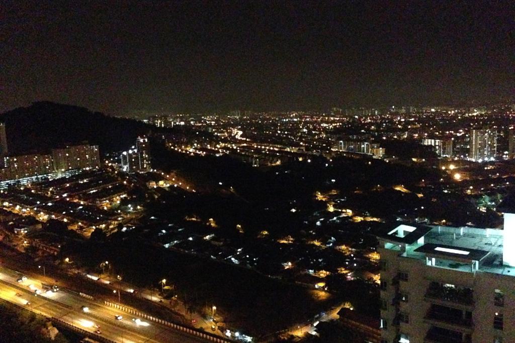 モントキアラのコンドミニアムからの夜景