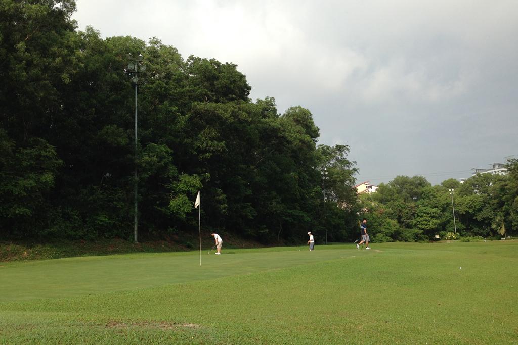 人生初ゴルフはマレーシア