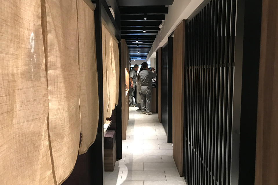 新日本焼肉党マレーシアは1階と2階があります