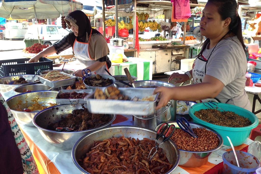 マレーシア料理のナシレマの注文の仕方が分からない。