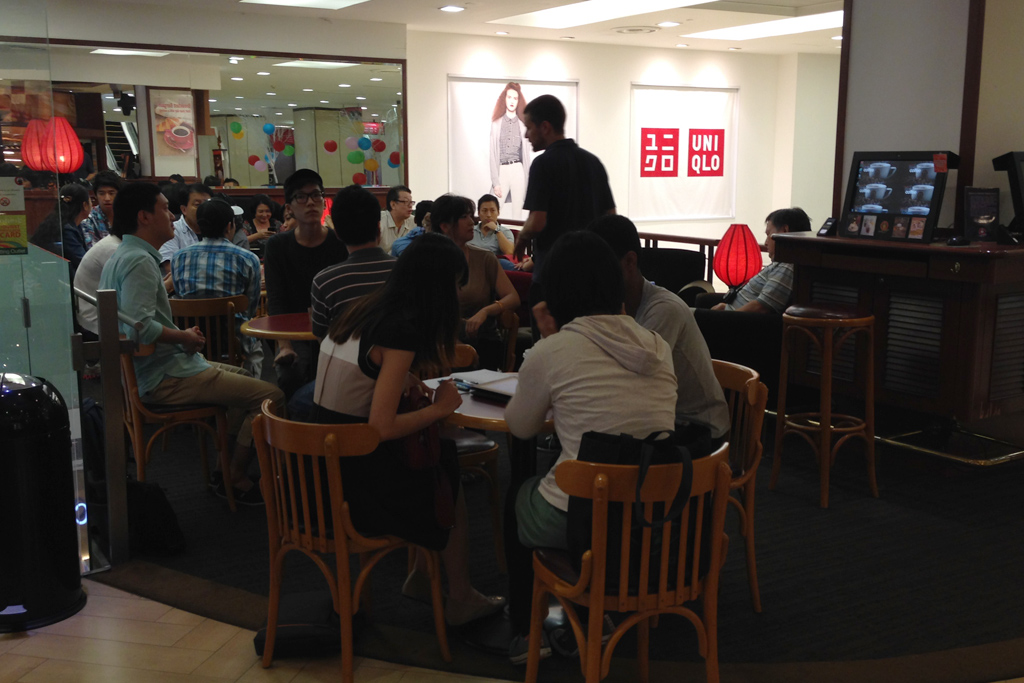 ICLSのフリークラスはfahrenheitのカフェでやってます。