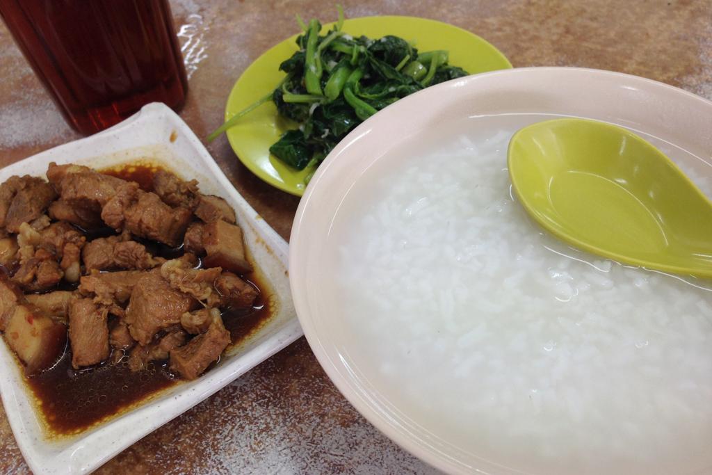 潮州粥家のお粥はご飯サラサラ