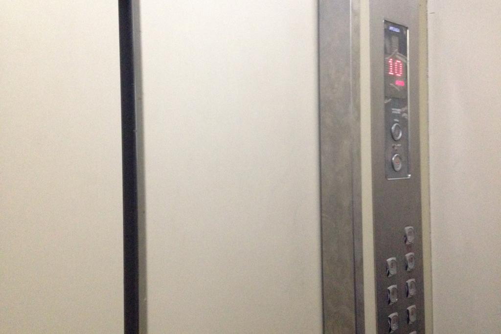 ミャンマーのエレベーター