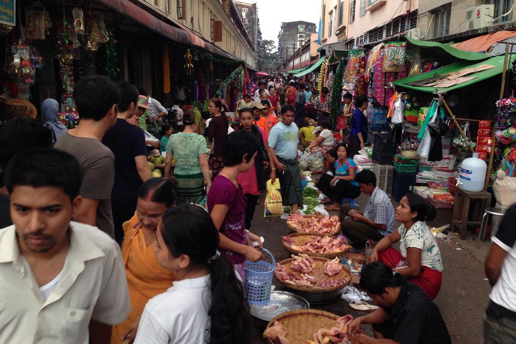 チャイナタウンのローカルマーケット
